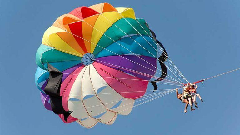 parasailng